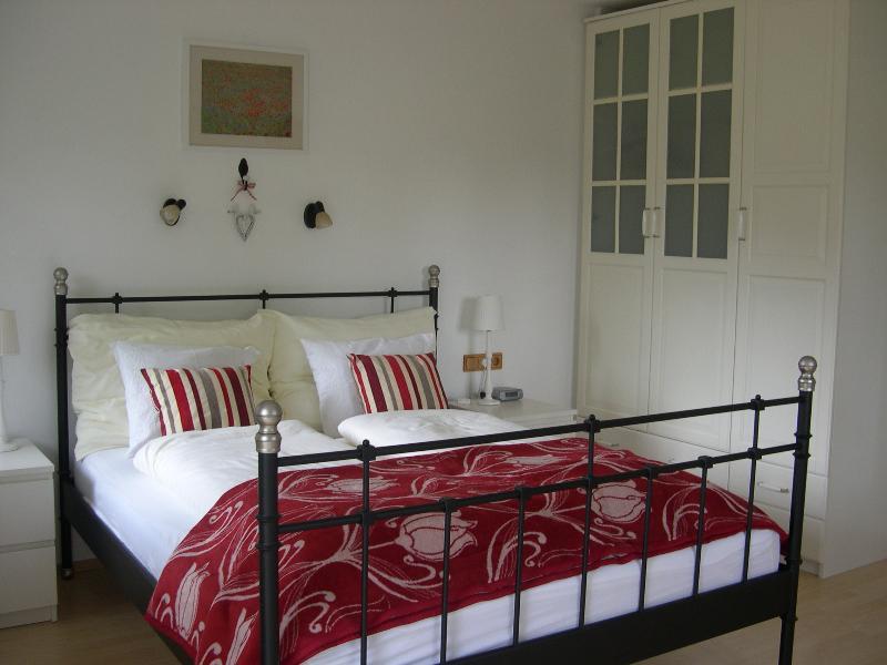 Bedroom, showing wardrobe