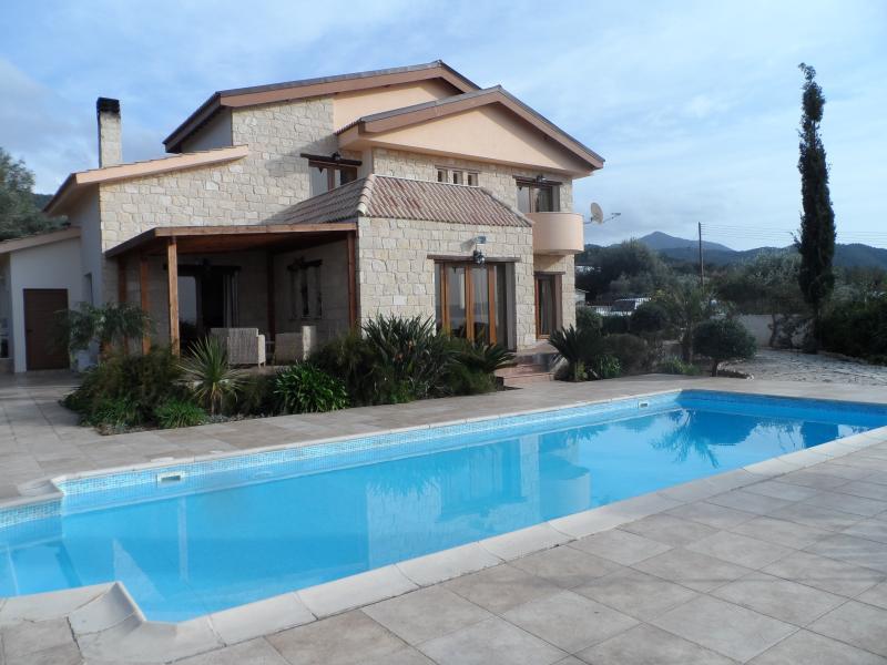 Erato Villa, holiday rental in Nea Dimmata