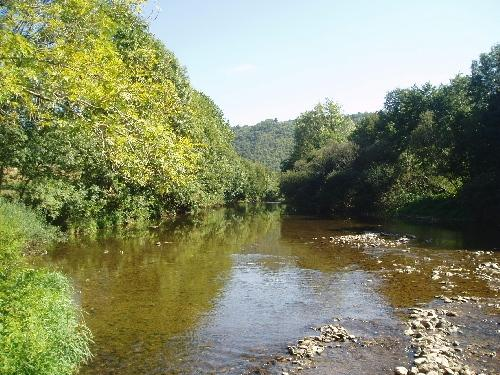 Take tranquil walks on the banks of the Viaur
