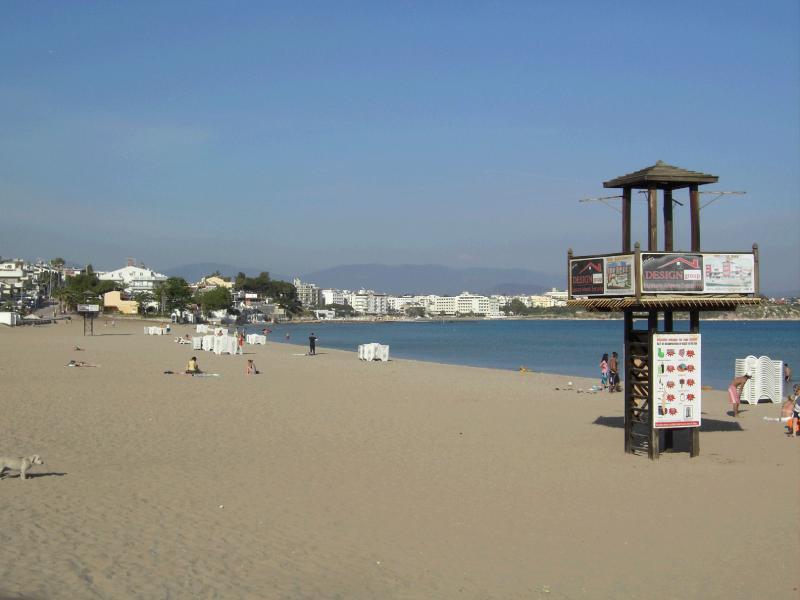 Main Altinkum Beach.  There are 3 Beaches