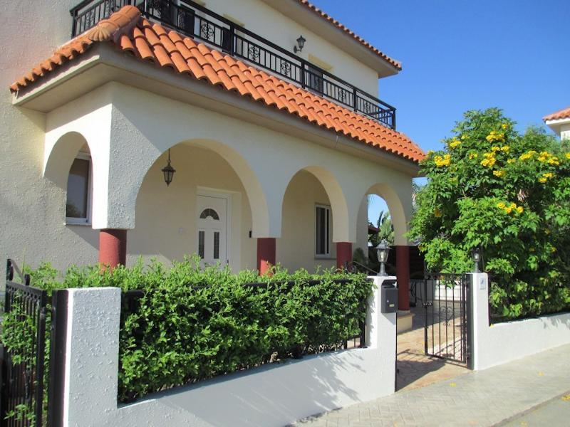 Villa DragonFly front