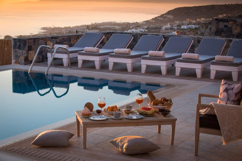 Sunrise at the pool / sunteracce at Villa Seaview with breathtaking panoramic seaview