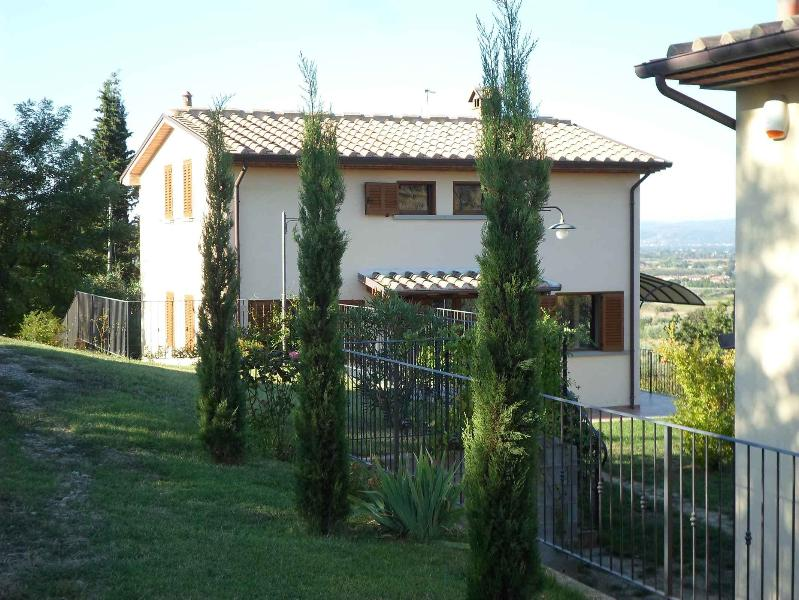 LOCAZIONE TURISTICA I 3 CIPRESSI, location de vacances à Arezzo