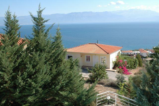Villa Thalia. EOT licensed. Sea View, Private Pool., aluguéis de temporada em Kastania