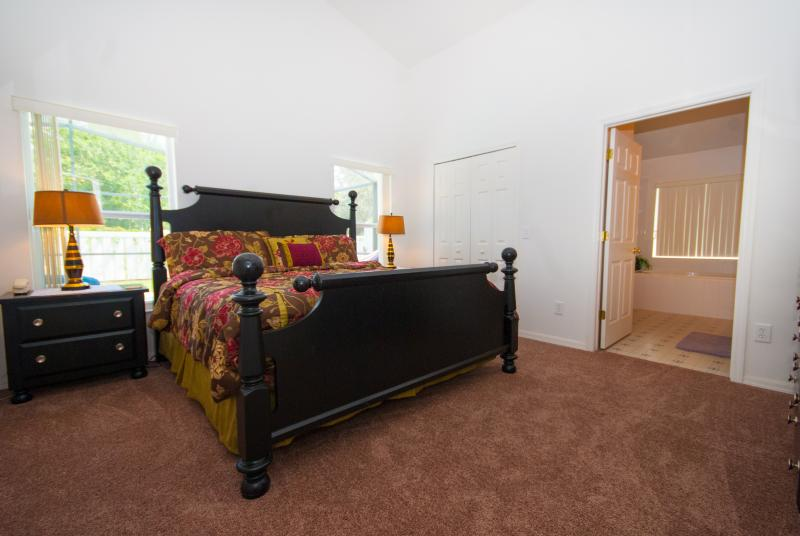 King Master Bedroom and Ensuite