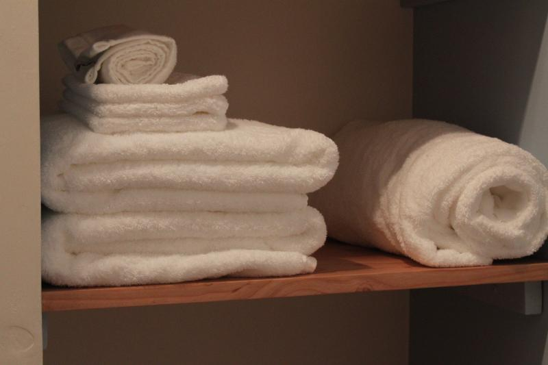 Fluffy towels and linen included