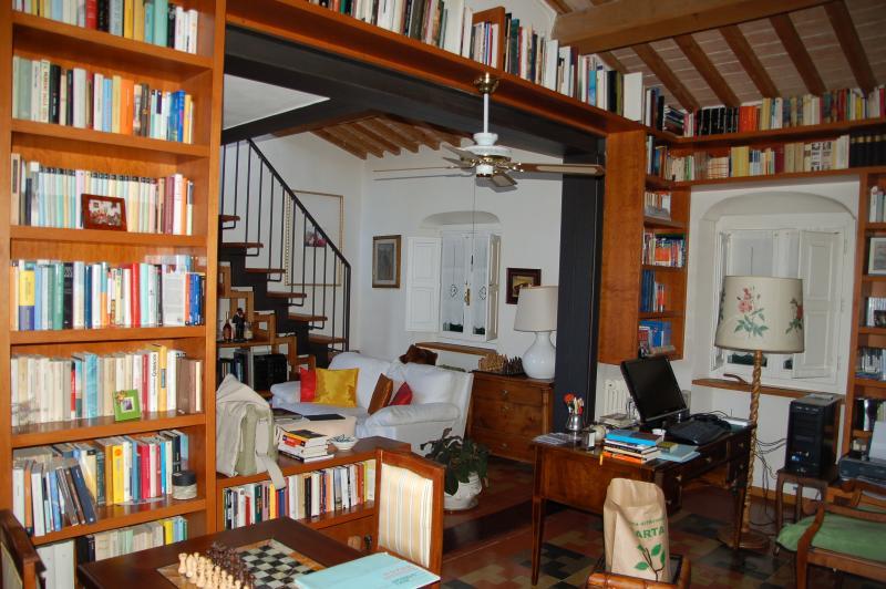 Biblioteca e salone