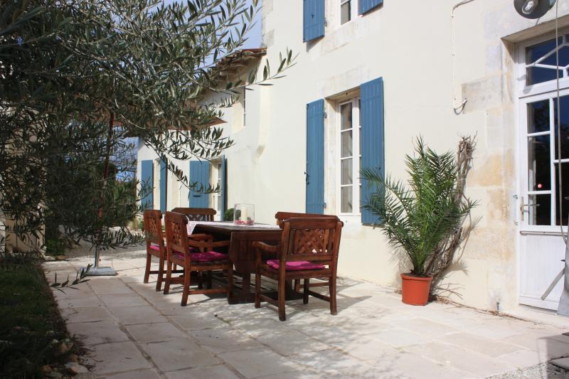 Le Chai O Soleils, holiday rental in Saint Romain sur Gironde