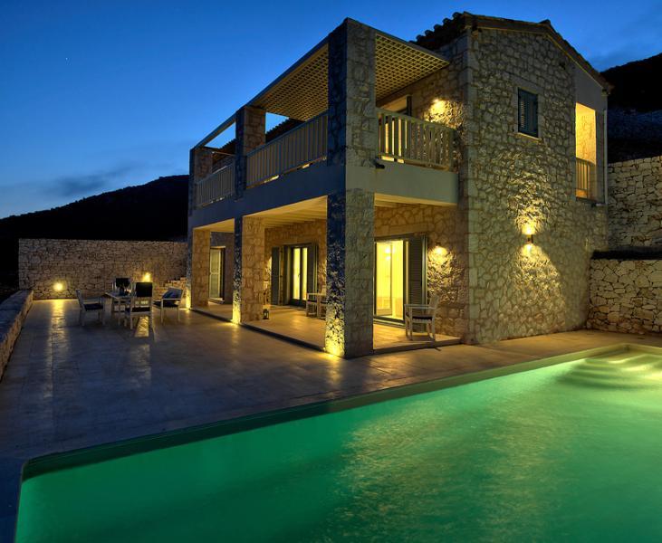 Villa FOS by night
