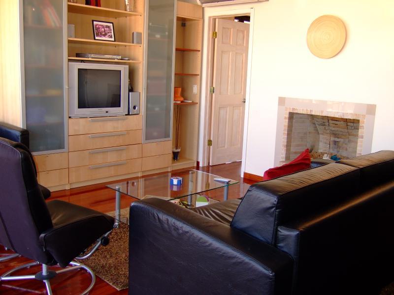 Acropolis Sky Villa 6bd/5ba by RealGreece Concierge, Private drivers & guides, holiday rental in Athens