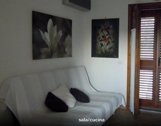 RESIDENCE CON PISCINA LUGLIO/AGOSTO WI-FI FREE, holiday rental in Badesi