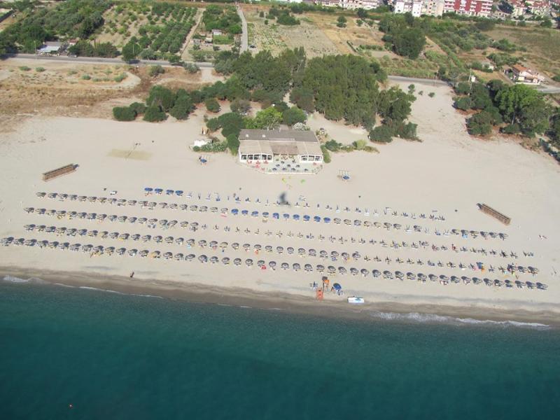 CASA MAJA 16/17/22, Appartamento 2 stanze, aria cond, 4-6 posti letto, Mar Jonio, vacation rental in Province of Catanzaro