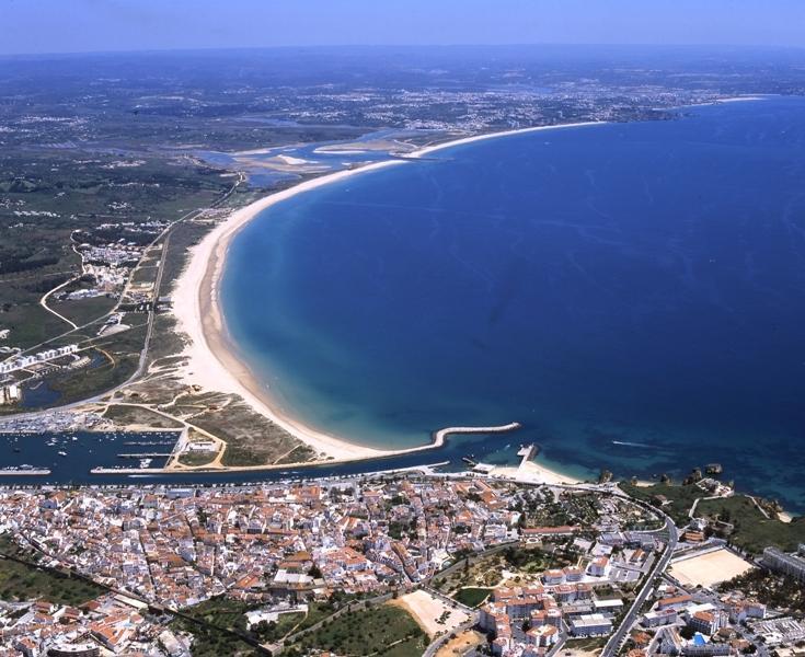 Bay of Lagos - Meia Praia Beach
