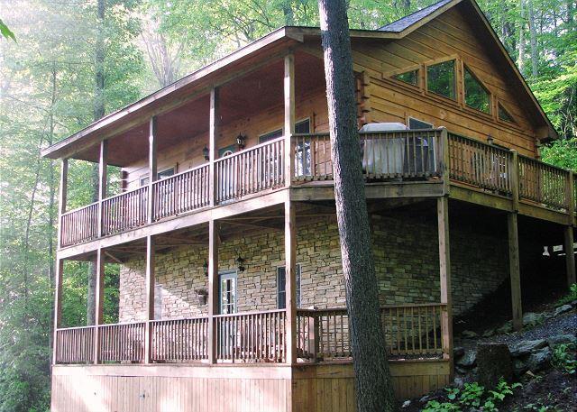 Arbor Den Log Cabin spacious cabin with great access to Boone/ Blowing Rock, alquiler de vacaciones en Blowing Rock