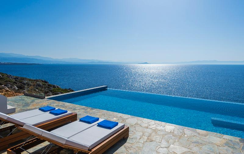 Exterior - Private Pool  - Sea view