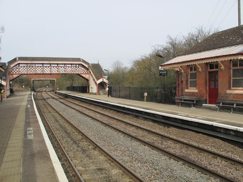Wilmcote Train Station is only a 5 minute walk from Harpe Cottage.