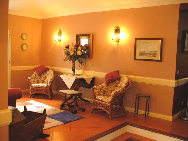 Sitting room(upper level)