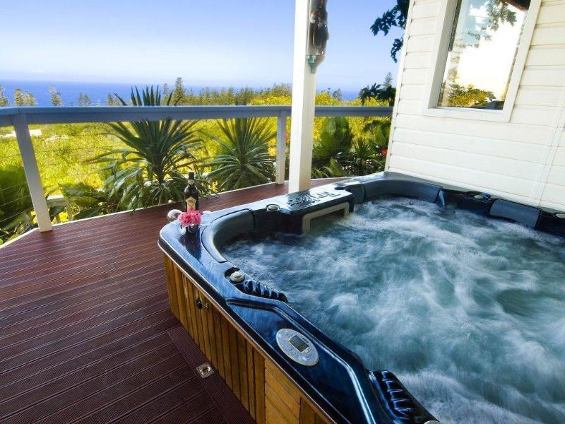 5BR Ocean View Spa Villa, holiday rental in Norfolk Island