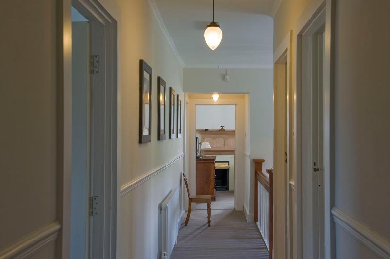 La casa originalmente diseñado y construido para una dama, está lleno de diseño intrigante.