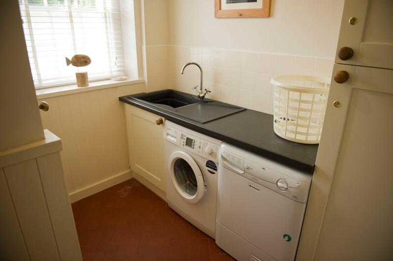 Guardarropa y WC adicional agrega a la comodidad.