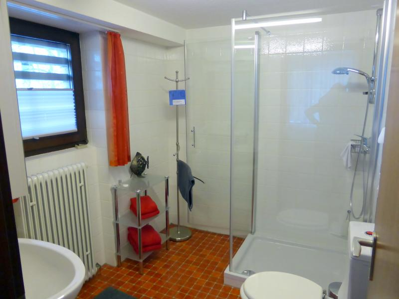 bath- and shower room
