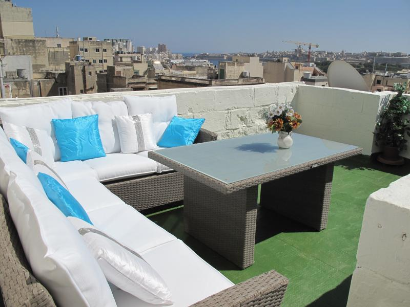 MALTESE HOUSE OF CHARACTER, holiday rental in Sliema