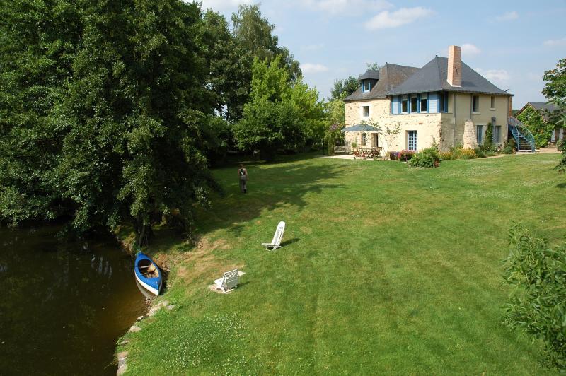 chambres et table d'hôtes du rideau miné, holiday rental in Chateauneuf-sur-Sarthe