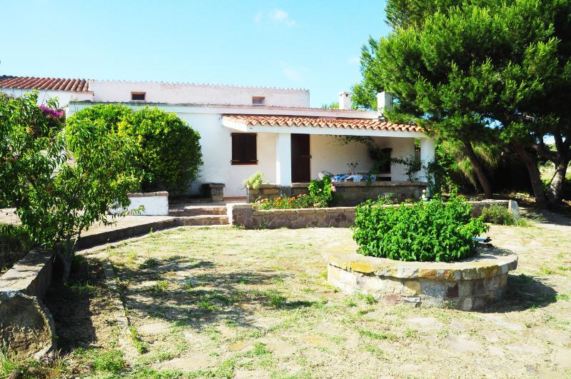Casa U Mandarin, vacation rental in Province of Carbonia-Iglesias