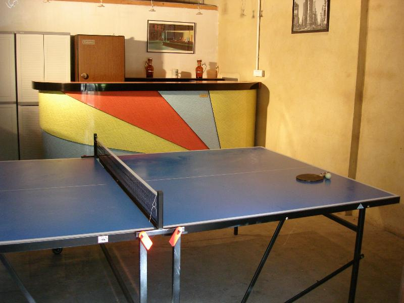Ping Pong tabel and bar