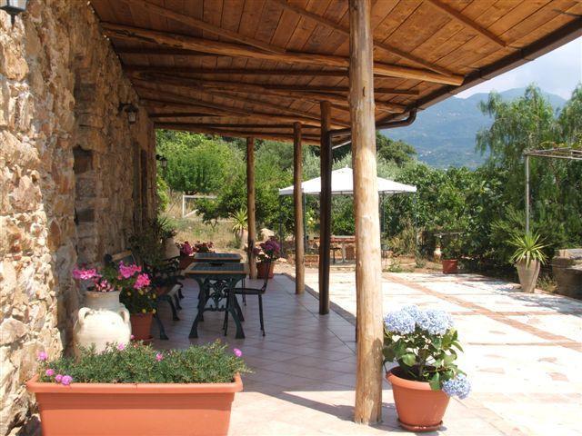 B.& B. La Finestra sul Parco, vacation rental in Isnello