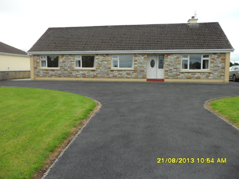 Lavins House, holiday rental in Ballyvary