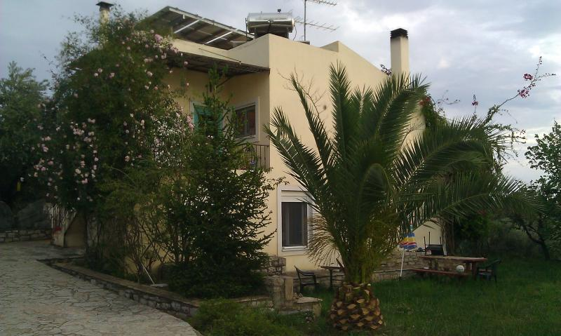 Rooms to let in Mikri Mantineia, Kalamata, vacation rental in Kalamata