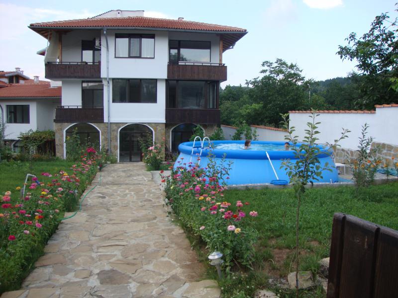 Apartment in Arbanassi in quiet surroundings