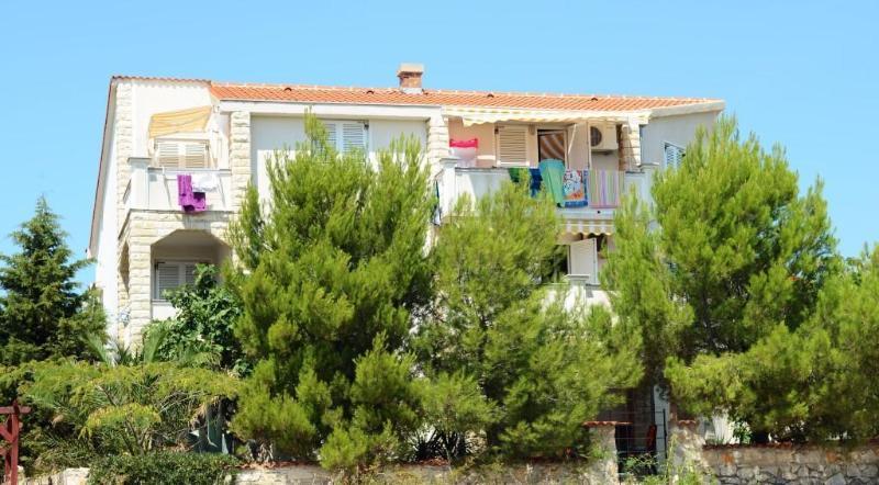 Apartment 7, close to Zrce Beach! GAJAC, vacation rental in Gajac