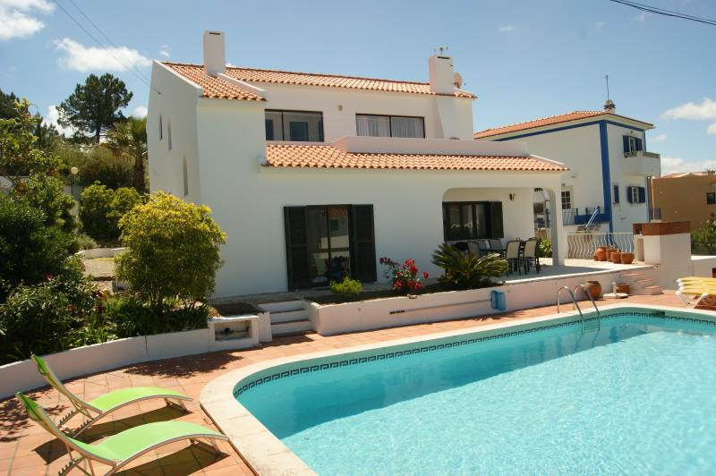Casa Pinhal - villa with private pool, vacation rental in Nadadouro