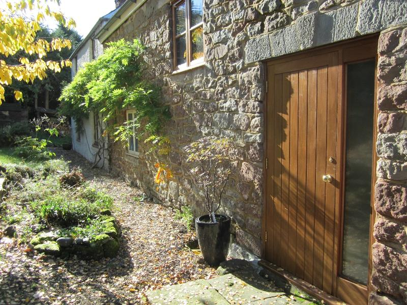 Hooks Barn is attached to the owners cottage, so we are around to help with any problems