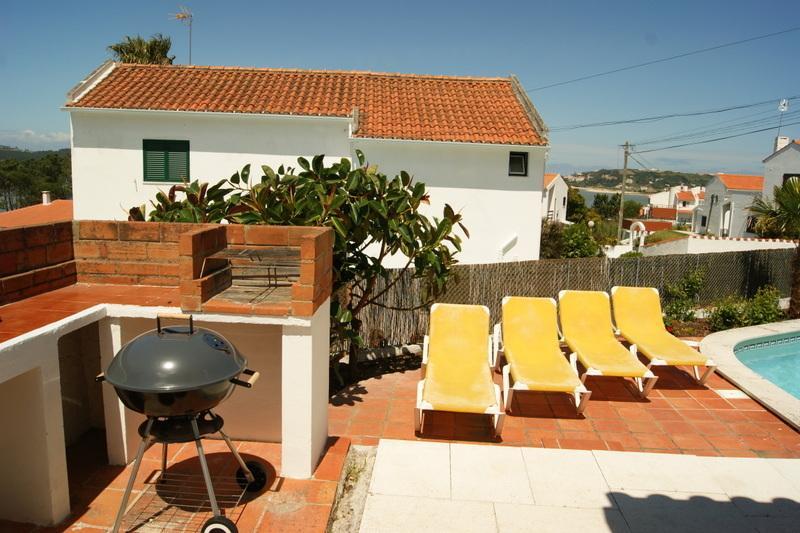 patio barbecue e piscina