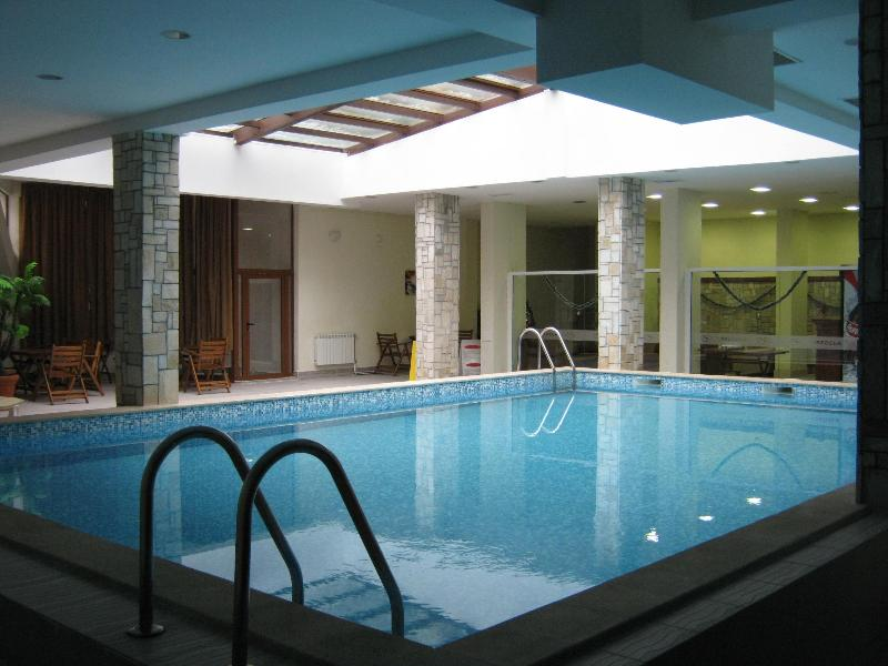 The swimming pool with adjoining bar area and Spa facilities. This is free to use for our guests.