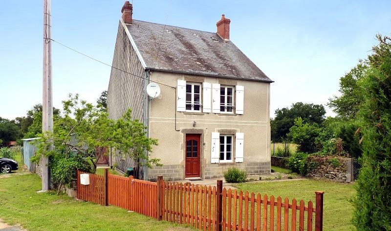 Holiday Cottage in Creuse with Fishing Nearby, holiday rental in Saint-Sornin-Leulac