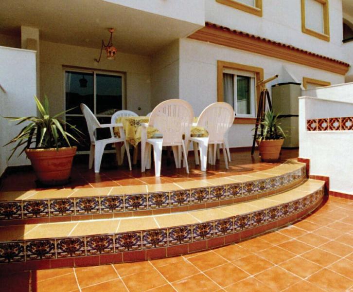 Covered upper terrace
