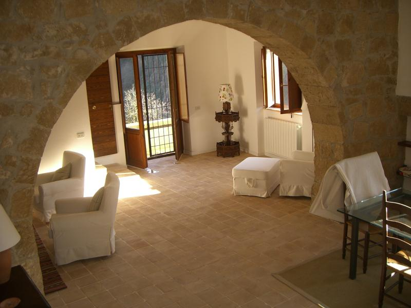 Sunset and elegant house, vacation rental in Ischia di Castro