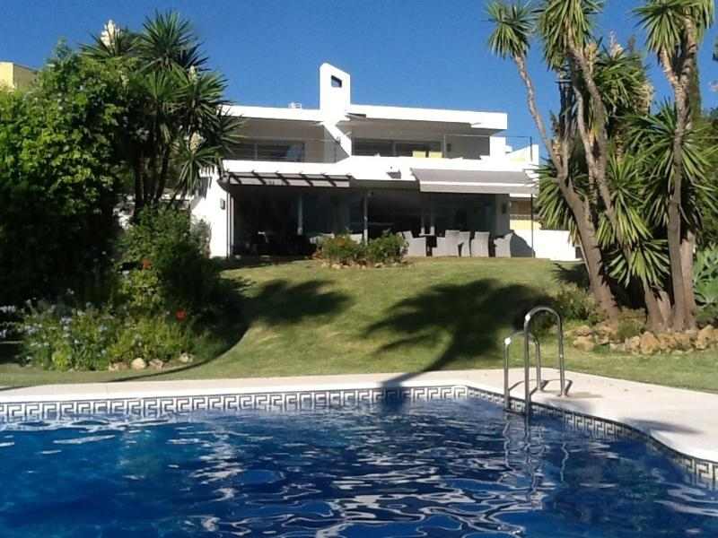 Casa Monte, Marbella - Luxury Villa, Nueva Andalucia, Great for Families/Golfers, holiday rental in Nueva Andalucia