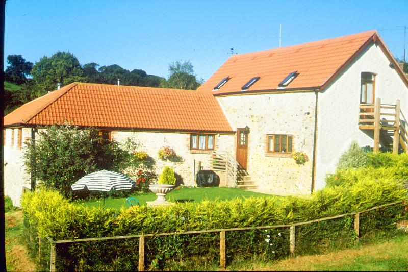 The Stables - Sleeps 8 - 4 Bedrooms - 4 Bathrooms