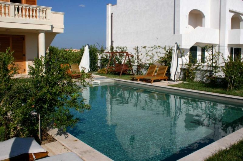 Il Melograno Apartment 5, vacation rental in Santa Maria al Bagno