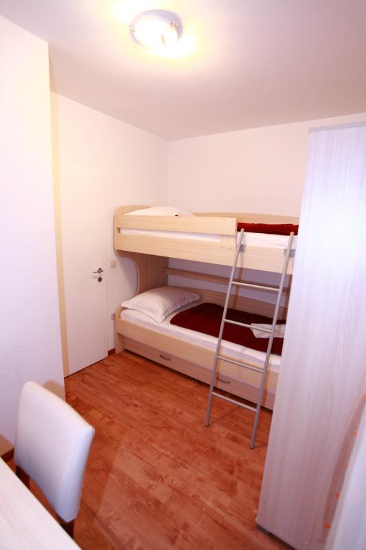 room 3 apartment 1