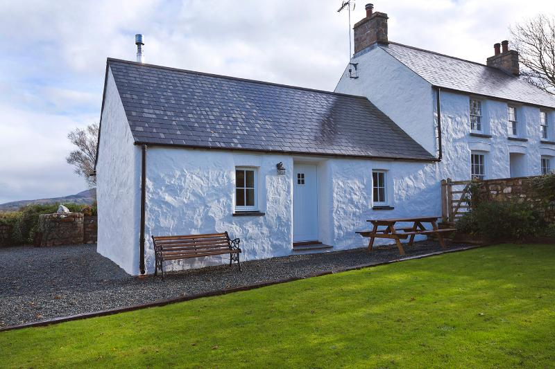 Y Bwthyn, holiday rental in Dinas Cross