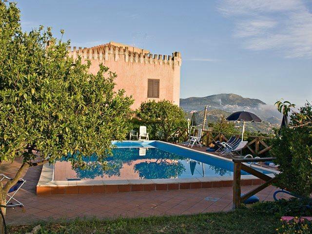 Villa Rica and the swimming pool