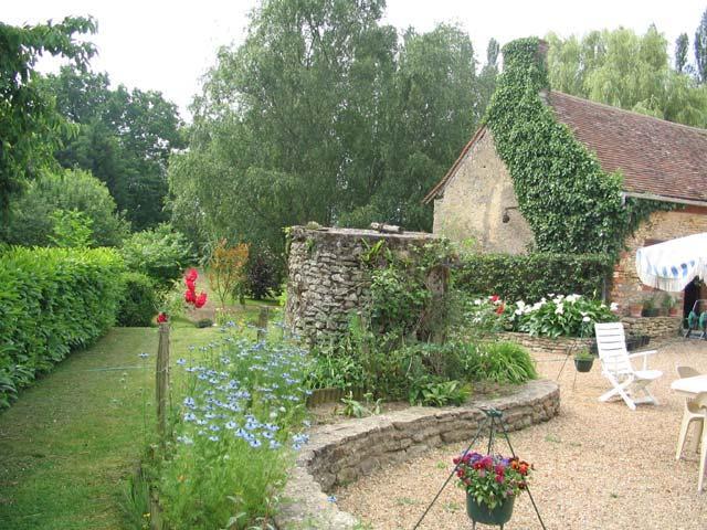 Le puits dans le jardin