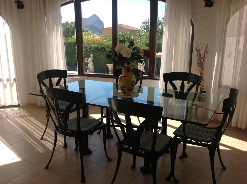 Dining Area/Naya with view of our pool & the Penon (Calpe Rock)