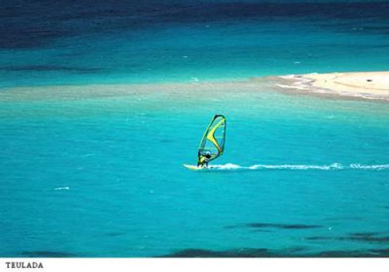 Windsurfing in Teulada